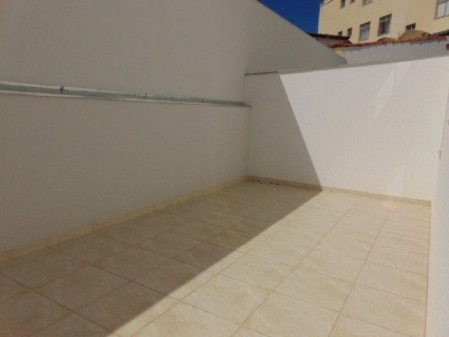 Lindo apto com excelente área privativa de 2 quartos em ótima localização no B. Sta Amélia - Foto 17