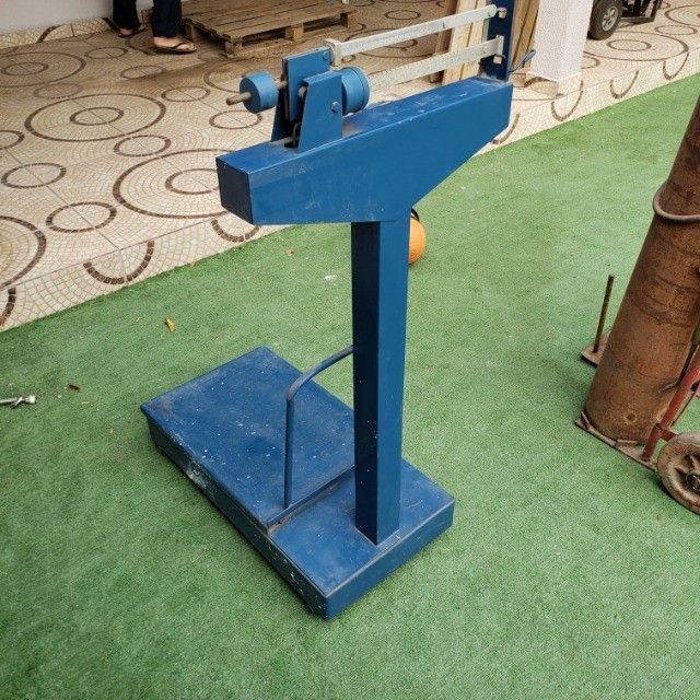 Balança Mecânica - 300kg (Pouco usada) - Foto 3