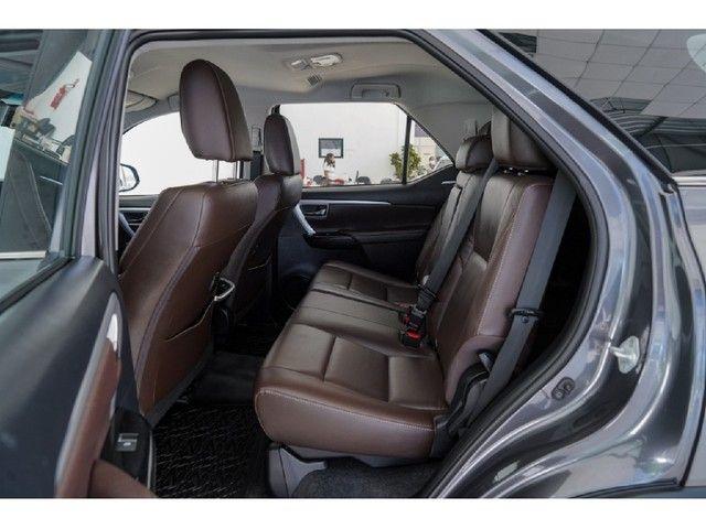 Toyota Hilux Sw4 2.8 SRX 4X4 7 LUGARES 16V TURBO INTERCOOLER DIESEL 4P AUTOMÁTICO - Foto 10