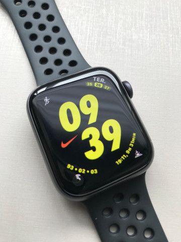 Apple Watch Series 4, 44 mm, Nike - Foto 5