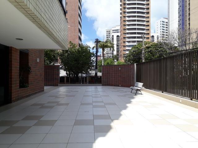Meireles - Apartamento Alto Padrão 247m² com 3 suítes e 4 vagas - Foto 2