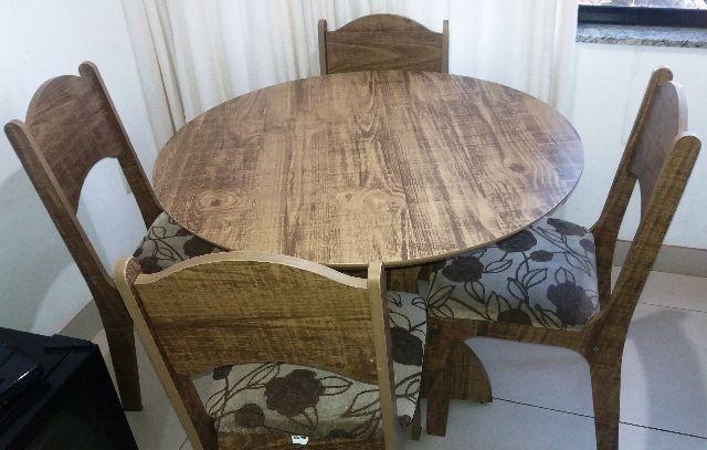 Mesa com 4 cadeiras Dalla Costa