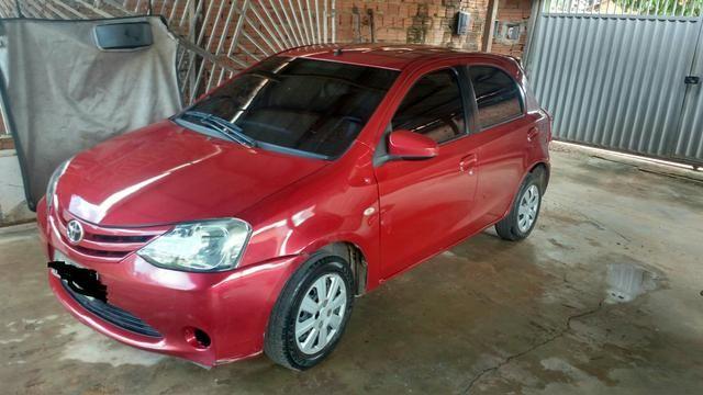 Toyota Etios Hatch xs 1.5 16v Flex 4p - 14/15