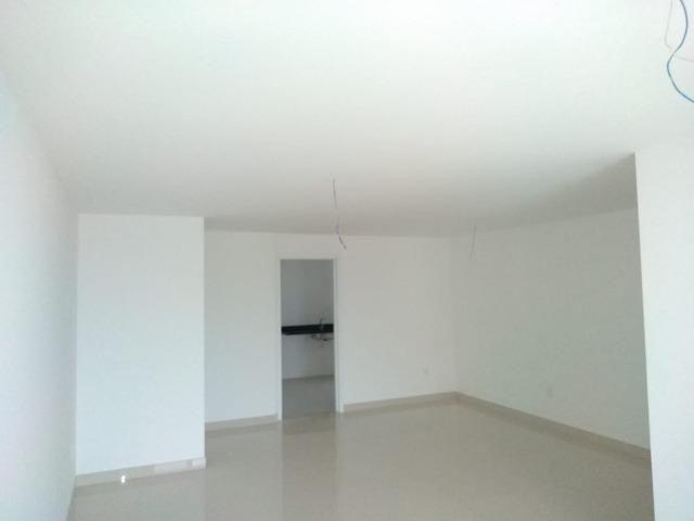 Apartamento com 03 quartos/suíte na Costa do Sol, com 02 vagas e área de Lazer completa! - Foto 3