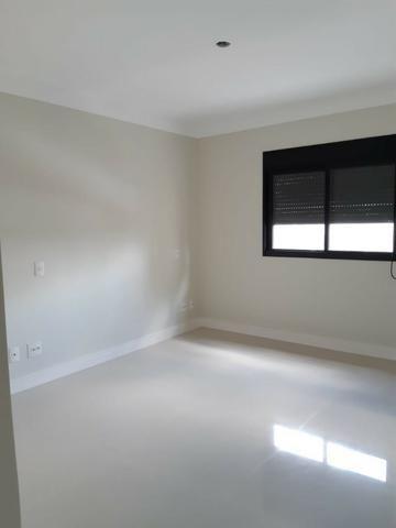 Apartamento andar alto , face sombra, no Edifício Metropolitan com 142 m² úteis, 3 suítes - Foto 8