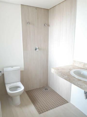 Apartamento andar alto , face sombra, no Edifício Metropolitan com 142 m² úteis, 3 suítes - Foto 12