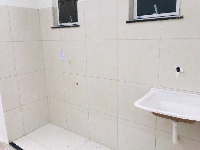 Ent. facilitada linda casa com doc. grátis 2 quartos e 2 suites so casas novas - Foto 11