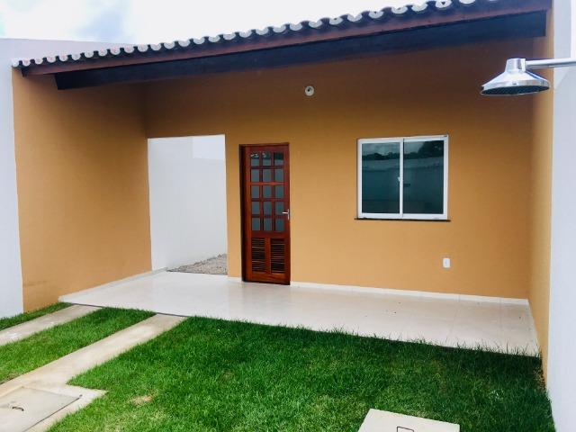 Ent. facilitada linda casa com doc. grátis 2 quartos e 2 suites so casas novas - Foto 2