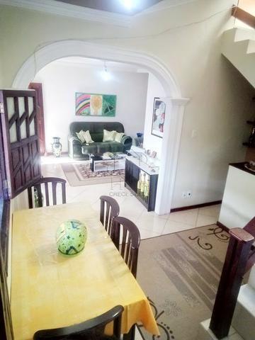 Casa 1º Andar Estilo Duplex, Financiável, 5/4 (2 Suítes), Rua Tranquila; Itapuã-HC034 - Foto 2