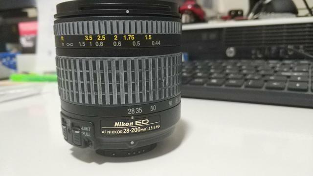 LENTE Nikon 28-200