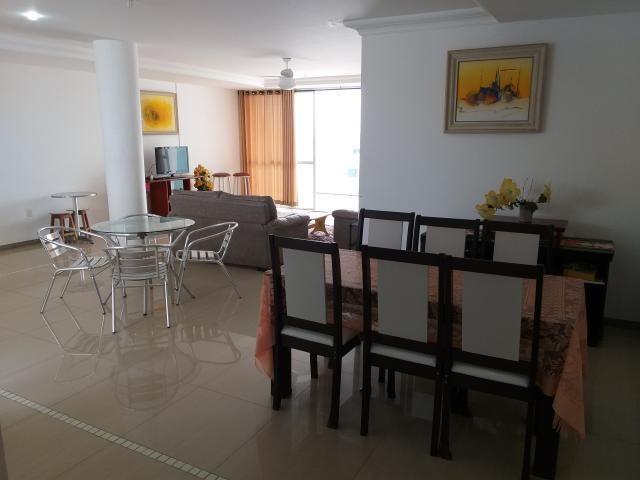 cobertura 3 quartos (1 suíte) e 3 vagas na Praia do Morro - Foto 2