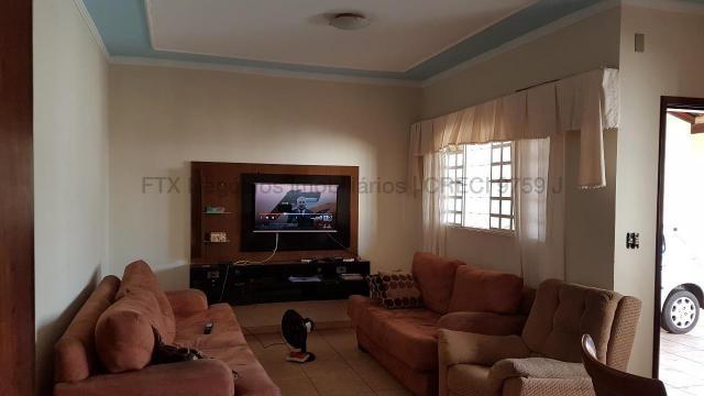 Casa com cômodos amplos 150,28 m² de área construídas - Coopharádio. - Foto 4