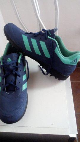 Chuteira society adidas - Foto 4