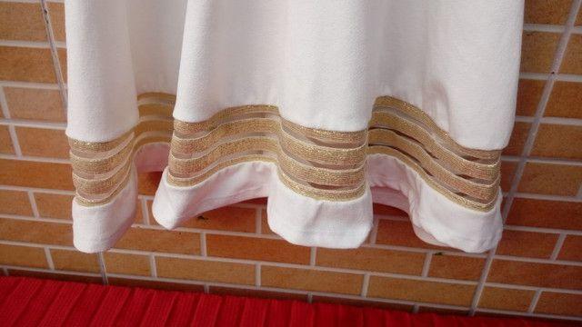 Vestido Chic: branco com dourado - Foto 5