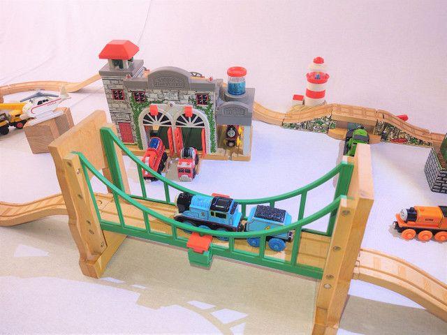 Thomas e seus amigos em madeira! - Foto 6