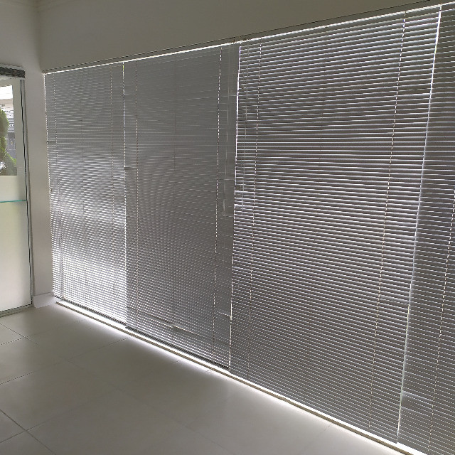 4 Persianas Horizontais Alumínio 2,14 x 1,12 m - Foto 4