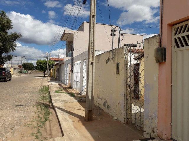 Vende-se uma casa no Bairro Junco, Picos-PI