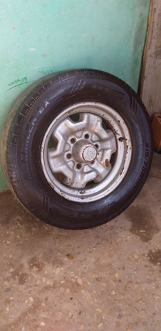 Roda da D20 original com pneus  Meia  vida - Foto 3