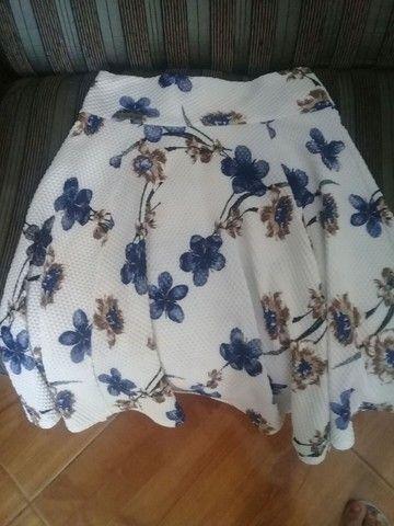 Vendo uma saia