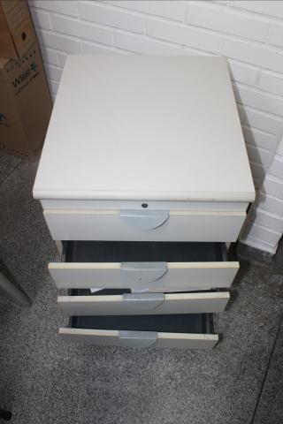 Gaveteiro / Porta Arquivo / 4 gavetas / em MDP Branco 61 cm x  44 cm x  50 cm (LER OBSERV - Foto 4