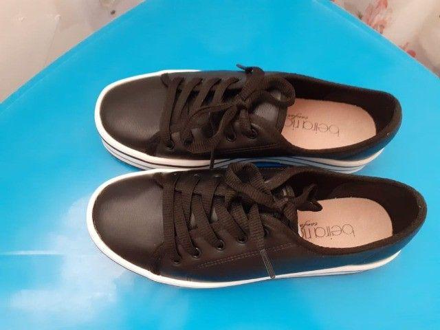 Vende-se uma sandália 33 34 - Foto 2