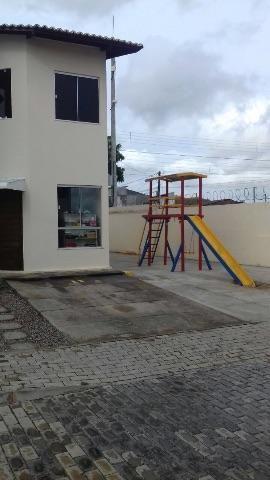 Casa duplex condomínio fechado em Felipe camarão