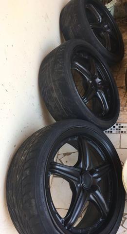 Aro 17 3 pneus meia vida, e um zerado