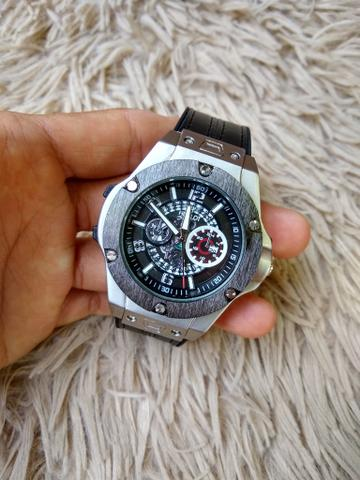 Relógio hublot pulseira couro