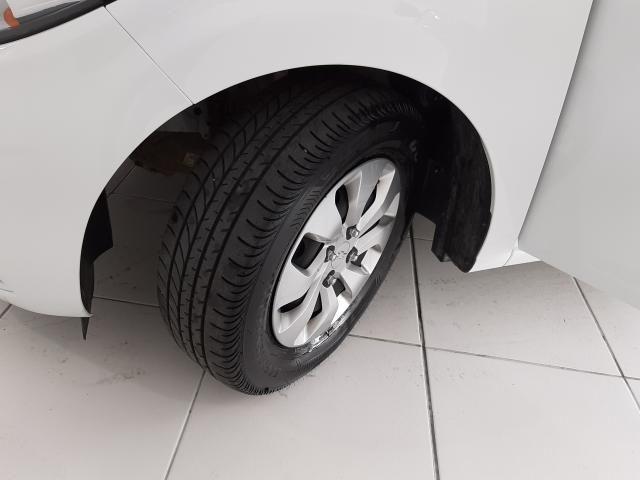 Chevrolet ONIX HATCH LT 1.0 8V FlexPower 5p Mec. - Branco - 2019 - Foto 8