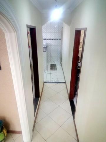 Casa 1º Andar Estilo Duplex, Financiável, 5/4 (2 Suítes), Rua Tranquila; Itapuã-HC034 - Foto 5