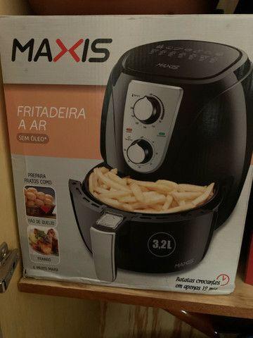 Air Fryer na caixa Maxis Mondial