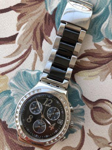Relógio Swatch Feminino preto e prata Original - Foto 3