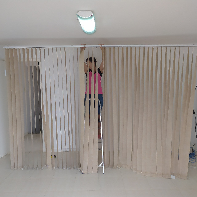 Cortina Persiana Vertical Tecido 3,4 x 2,3 m