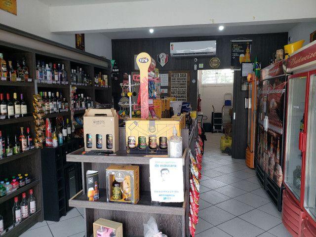 Vendo loja de conveniência completa em ótima localização.