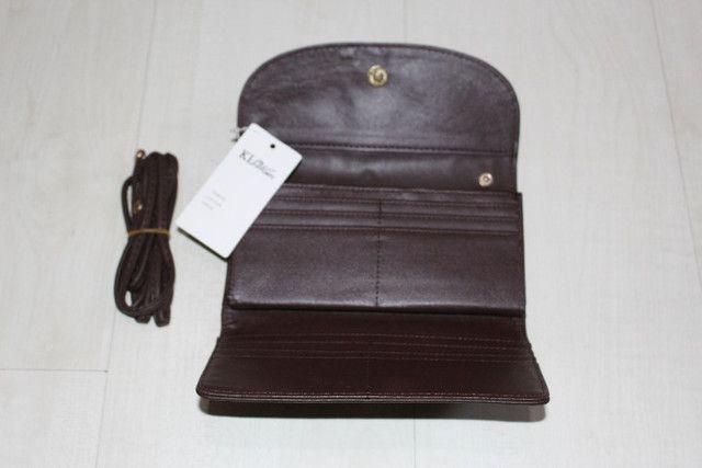 Vendo -carteira na cor café tem 19cm de largura e 10cm de altura - Foto 3