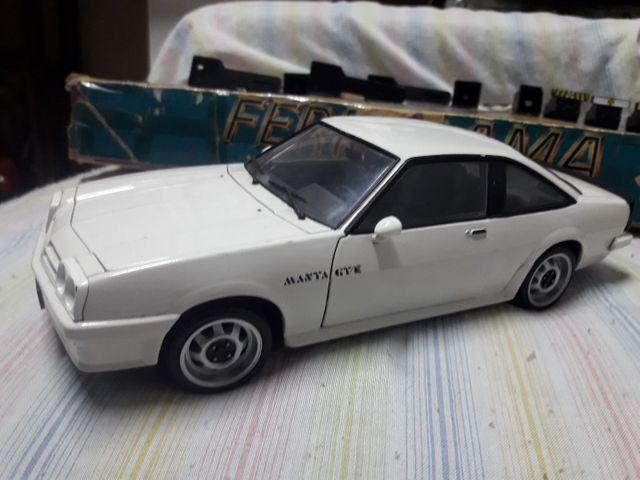Miniatura Revell do Opel Manta GT/E