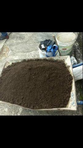 Terra vegetal adubada e com esterco25 kilos  $10,00