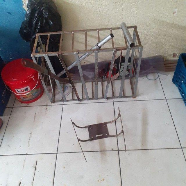 Vende-se gaiola pra moto com suporte - Foto 2