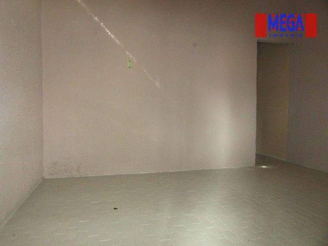 Casa com 2 quartos para alugar no Montese - Foto 3
