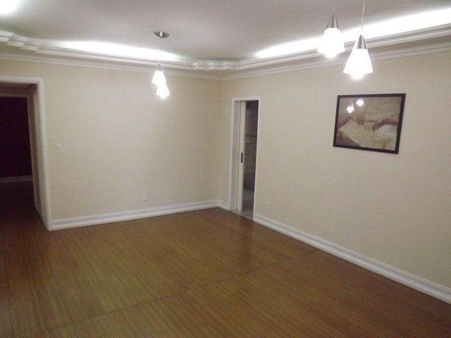 Apartamento de 2 quartos em Adrianópolis