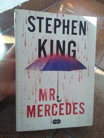 Livro MR Mercedes Stephen King - Foto 4
