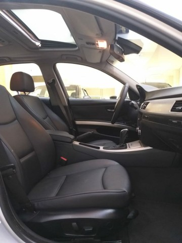 BMW 320 ia c/ teto - Foto 10
