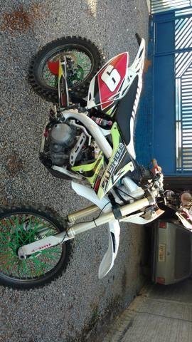 Vendo ou troco moto de trilha importada TOKENS 250CC