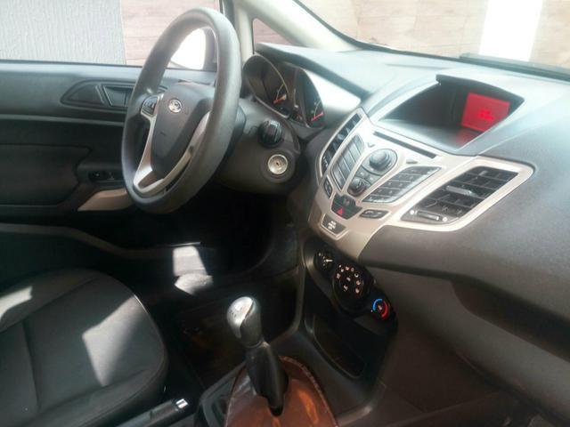 New Fiesta Hatch SE 1.6 completo - Foto 4