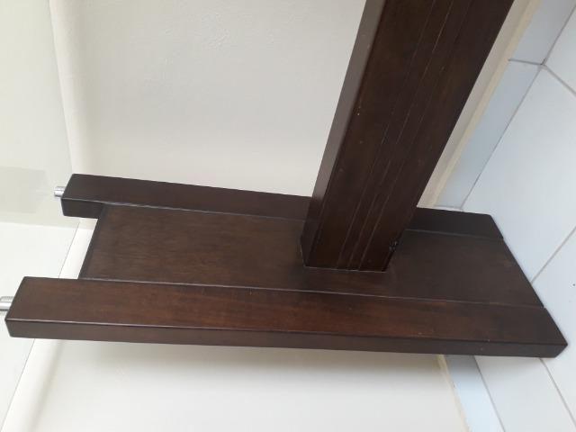 Aparador de madeira com tampo de vidro - Foto 3