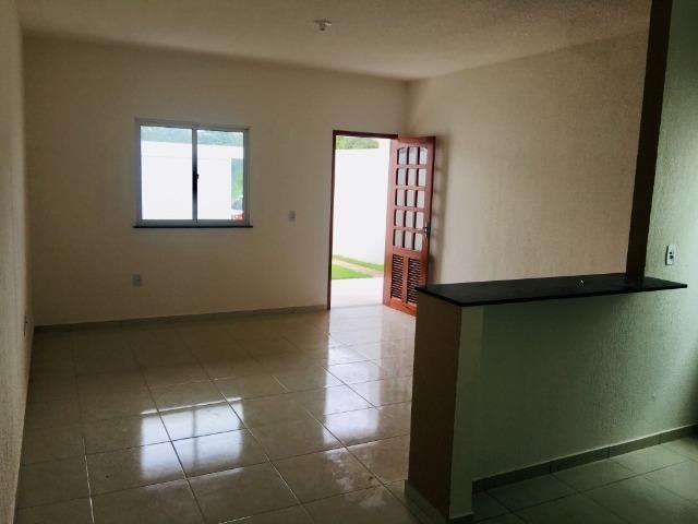 Ent. facilitada linda casa com doc. grátis 2 quartos e 2 suites so casas novas - Foto 7