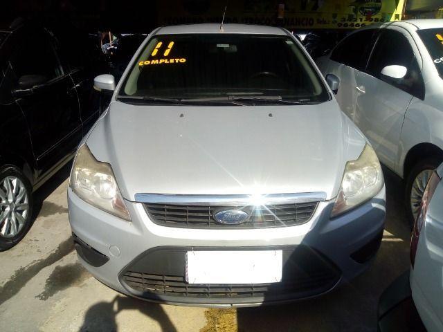 Ford Focus 1.6 Completo + Gnv ent + 48 x 530,00 1º parcela por conta da loja