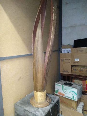 Planta artificial Espada de São Jorge com lâmpada interna em ótimo estado - Foto 3