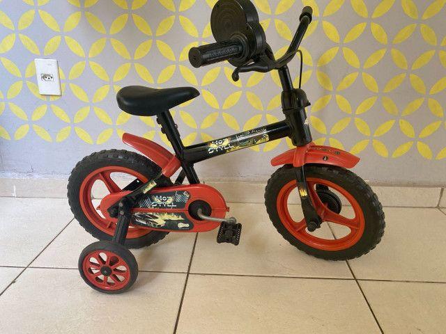 Bicicleta infantil (semi nova)