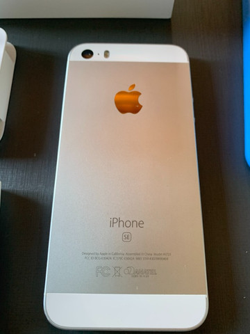 Vendo Iphone 5SE ? 64 GB ? tudo original - Foto 3